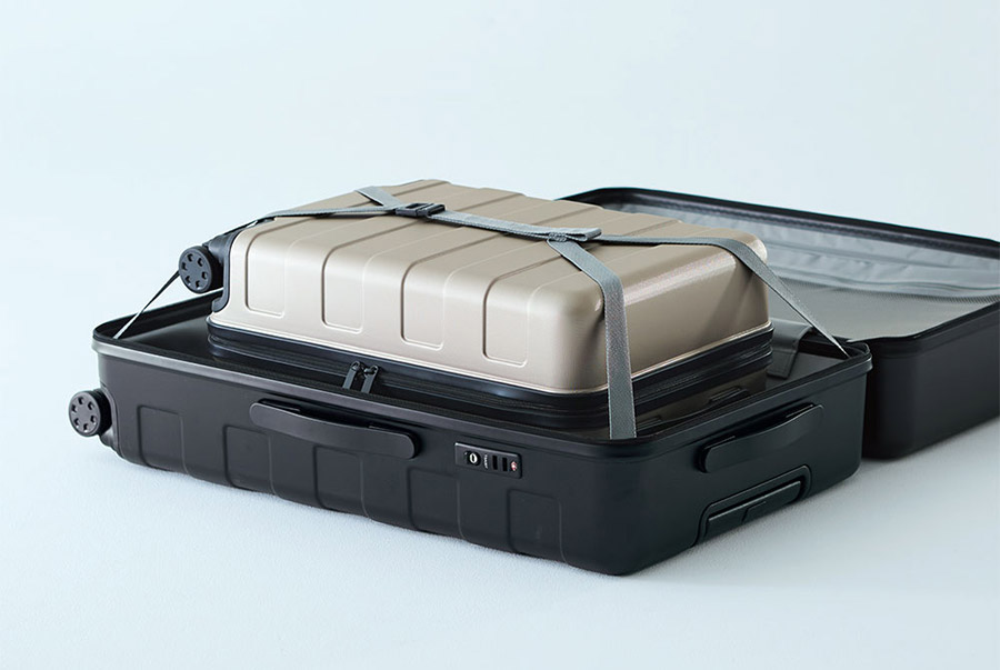 Muji Luggage Rolling Suitcase storage
